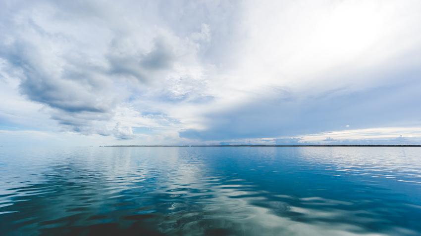 sailing on flat water