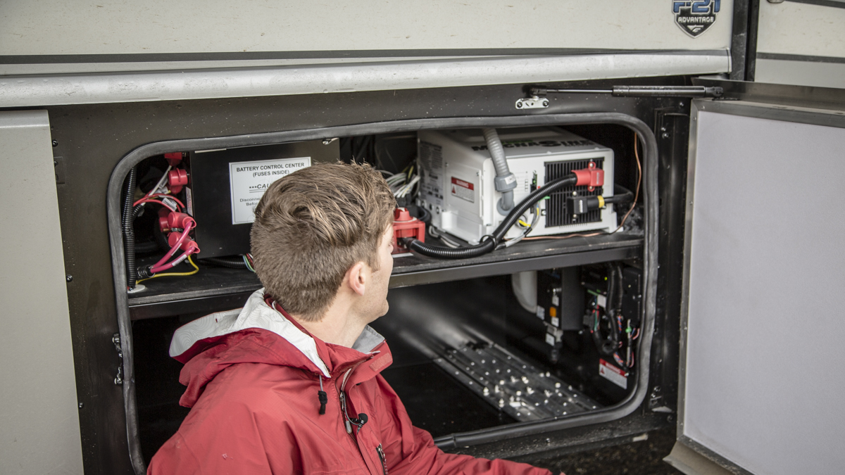 beefy rv power system with lithium battery