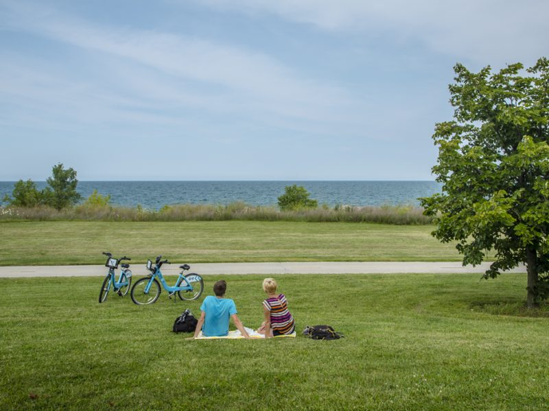 lakeshore bike trail chicago