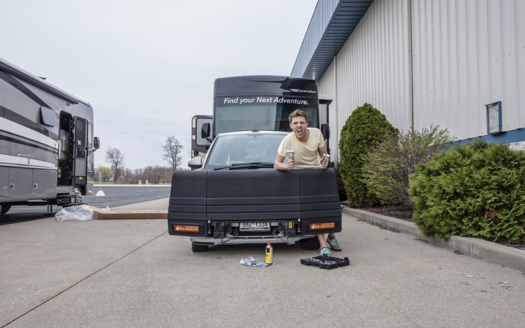 How to prepare an RV tow car for Alaska