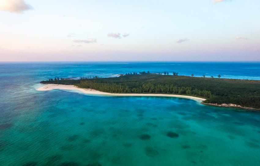 sailing and exploring the bahamas