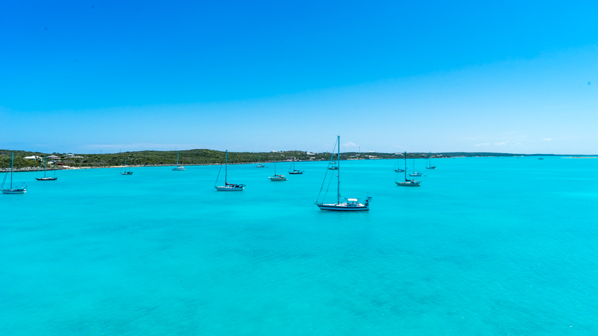 sailing the bahamas