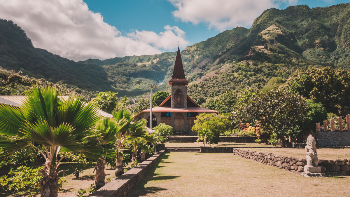 Tuahata Marquesas beautiful church