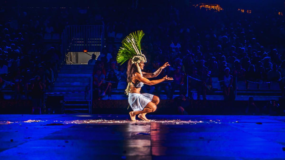 tahiti heiva Polynesian dancers