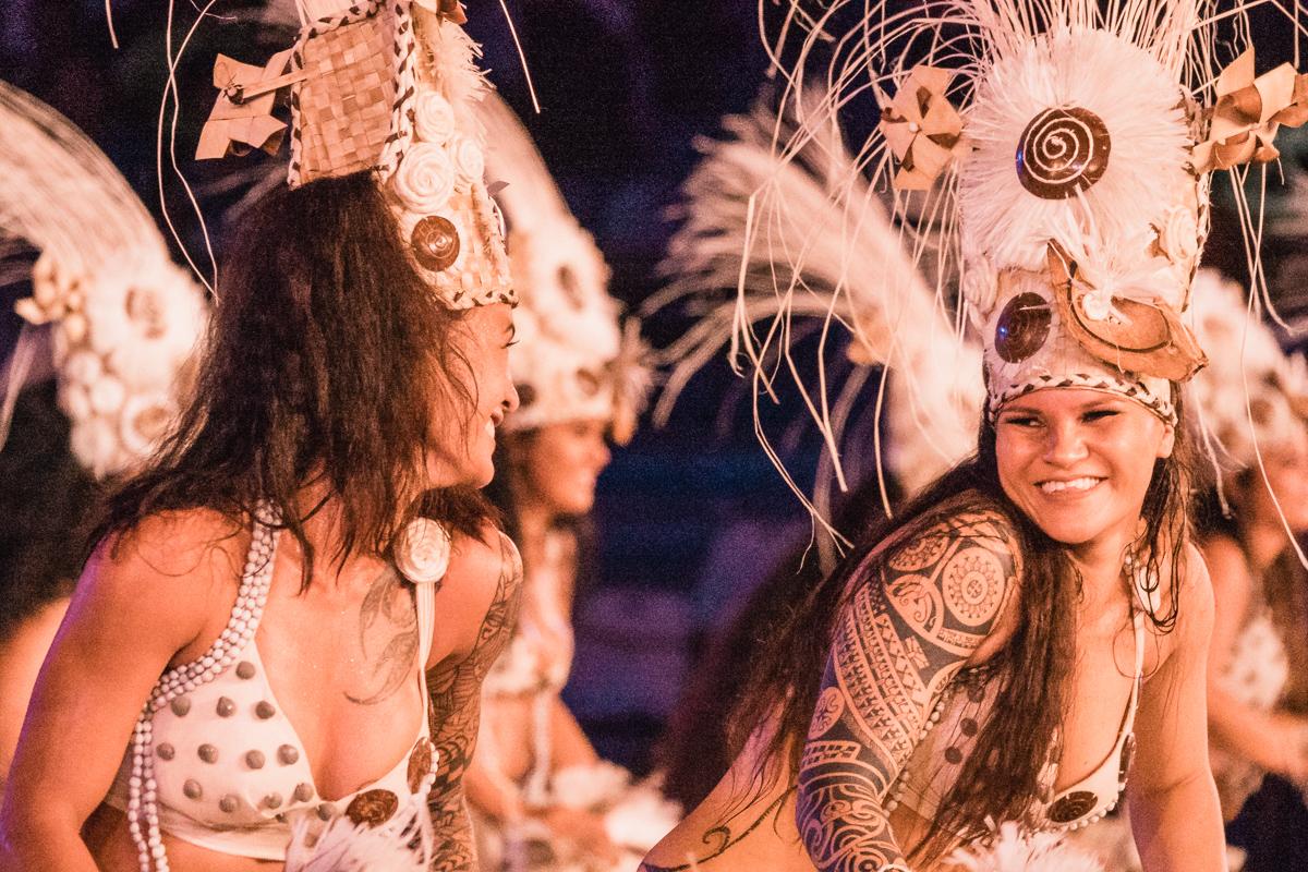 beautiful Polynesian dancers smiling