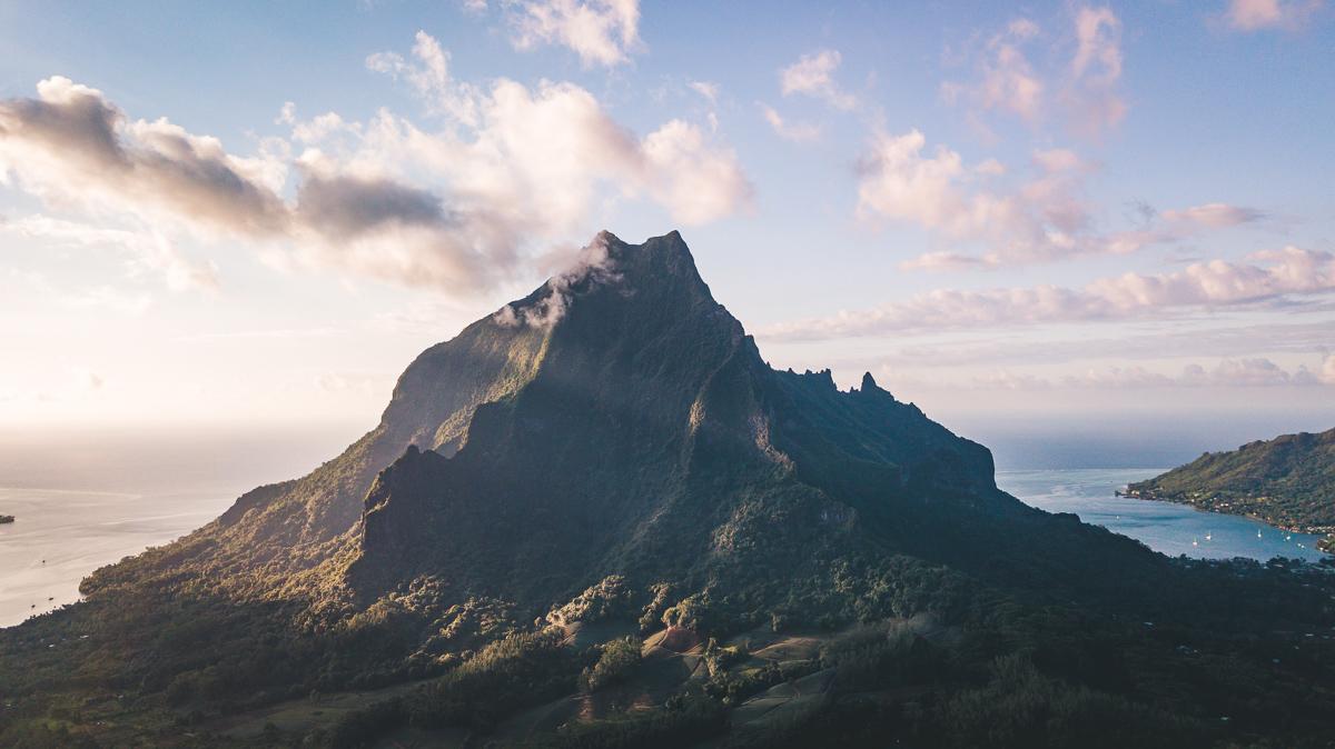 prehistoric views of wild moorea