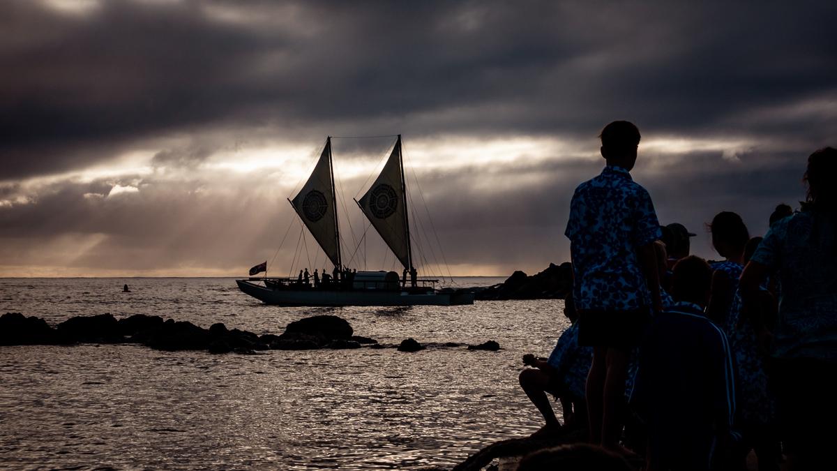 traditional polynesian vaka cook islands welcome home