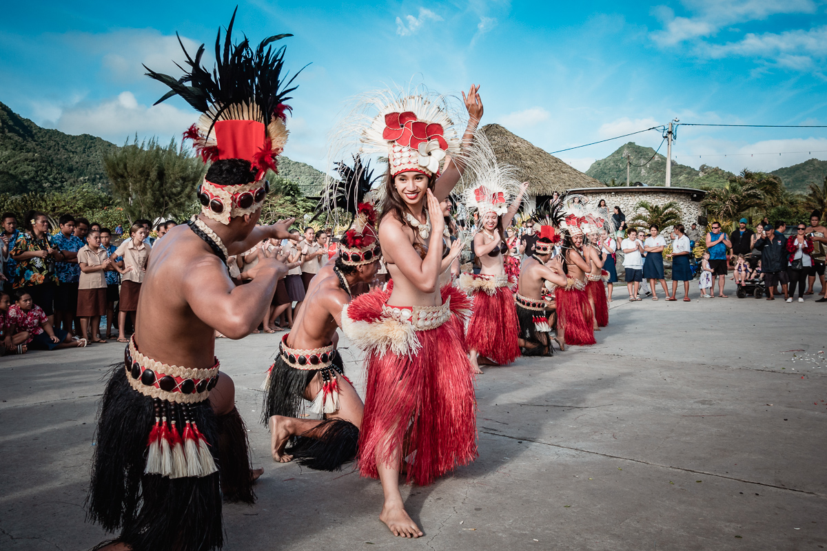 cook islands polynesian dancers performing at ceremony