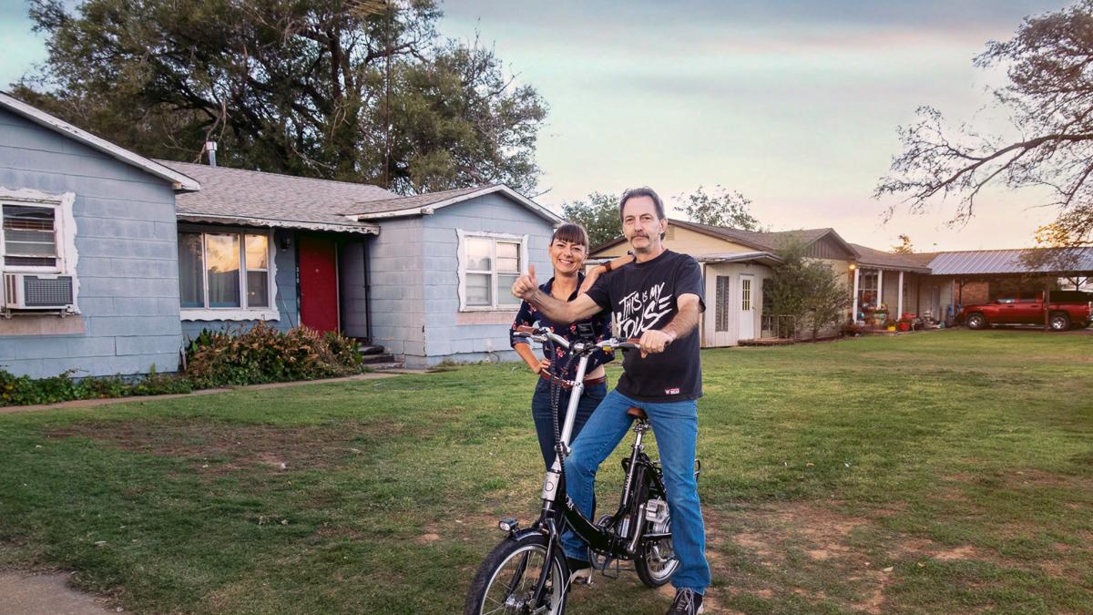 nikki wynn with dad on electric bike